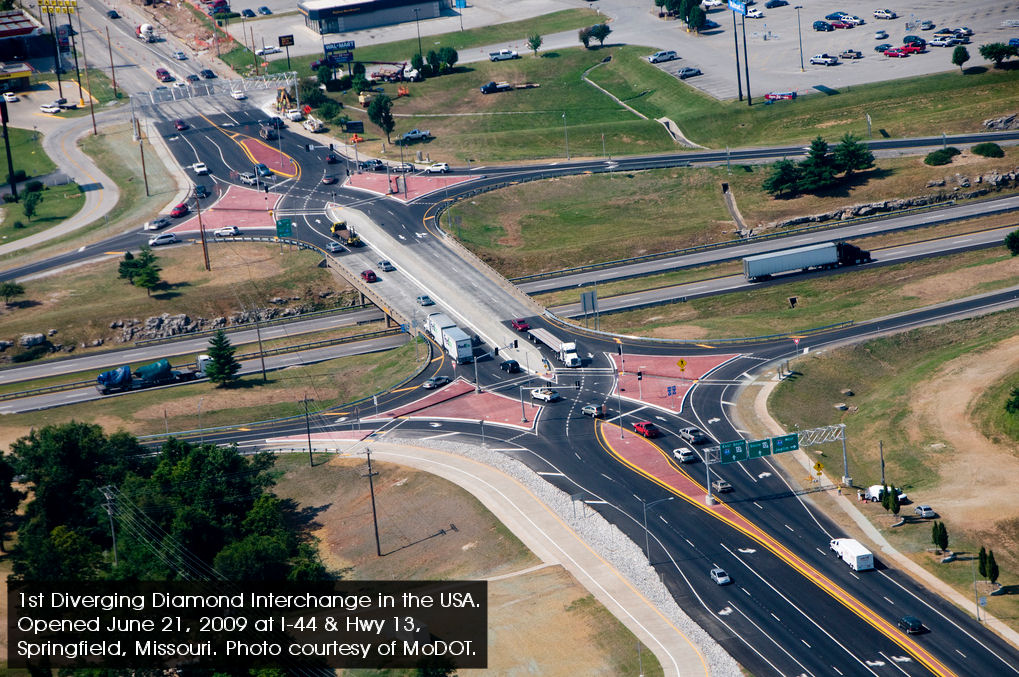 http://divergingdiamondinterchange.org/intersections/view/251